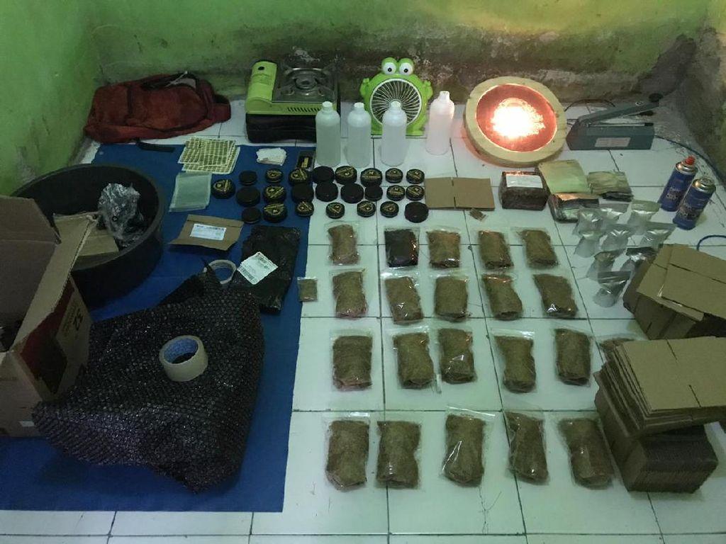 Rumah Produksi Narkoba Gorilla di Bogor Digrebek Polisi, 3 Orang Ditangkap