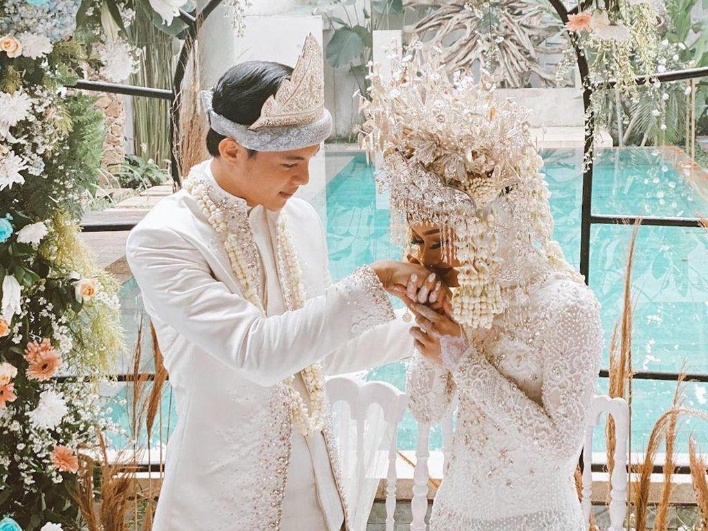 Dinda Hauw dan Rey Mbayang Nikah, Ini Momen Haru saat Ijab Kabul