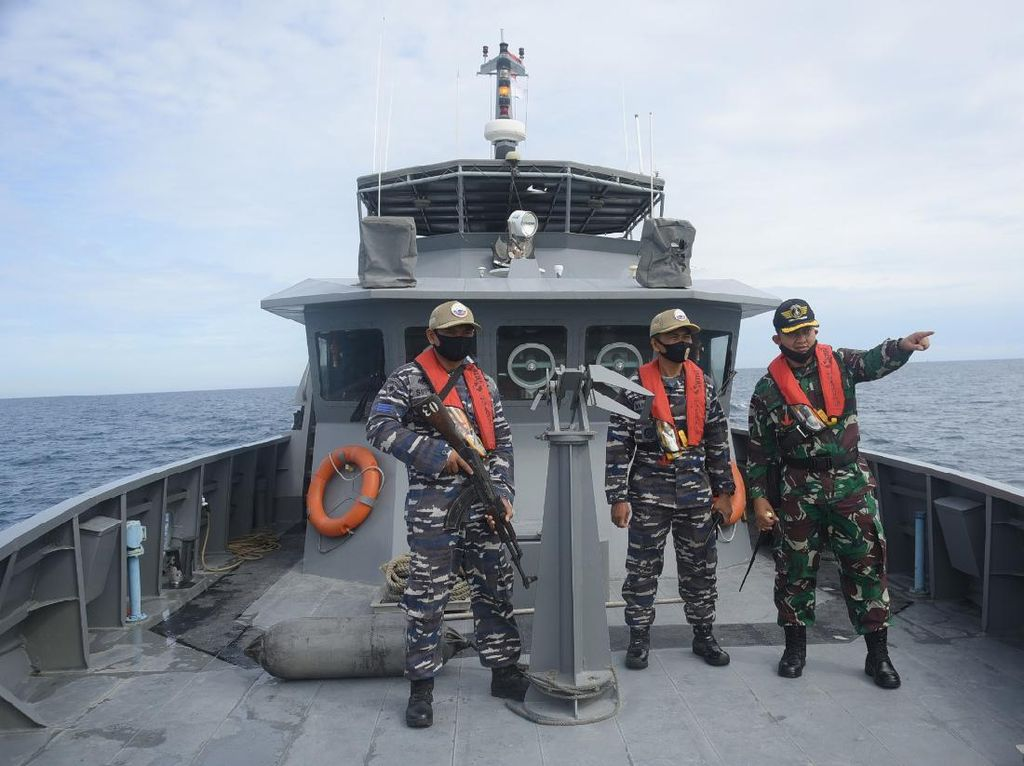 Antisipasi Penyelundupan Narkoba-Imigran, TNI AL Patroli di Laut Aceh