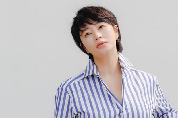 Kim Hye Soo adalah salah satu artis Korea awet muda di usia 40-an