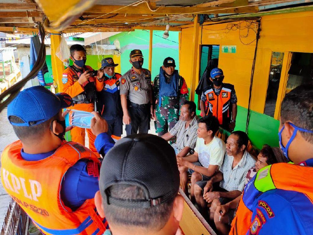 Kapal Pengangkut Kayu Tenggelam di Sinjai, 7 ABK Ditemukan Selamat