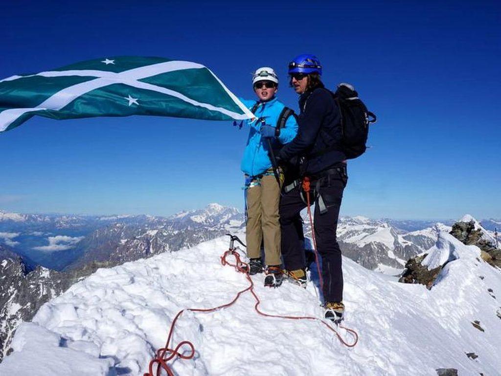 Bocah 11 Tahun Berhasil Taklukkan Puncak Gunung Mematikan di Swiss