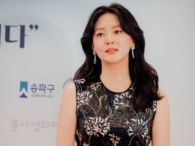 Lee Young Ae adalah salah satu artis Korea awet muda di usia 40-an