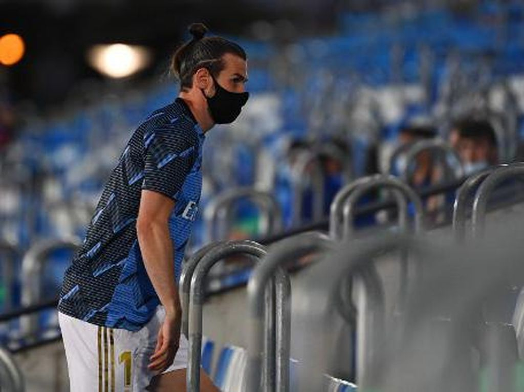Santuy! Begini Gaya Gareth Bale Saat Tak Main Lawan Alaves
