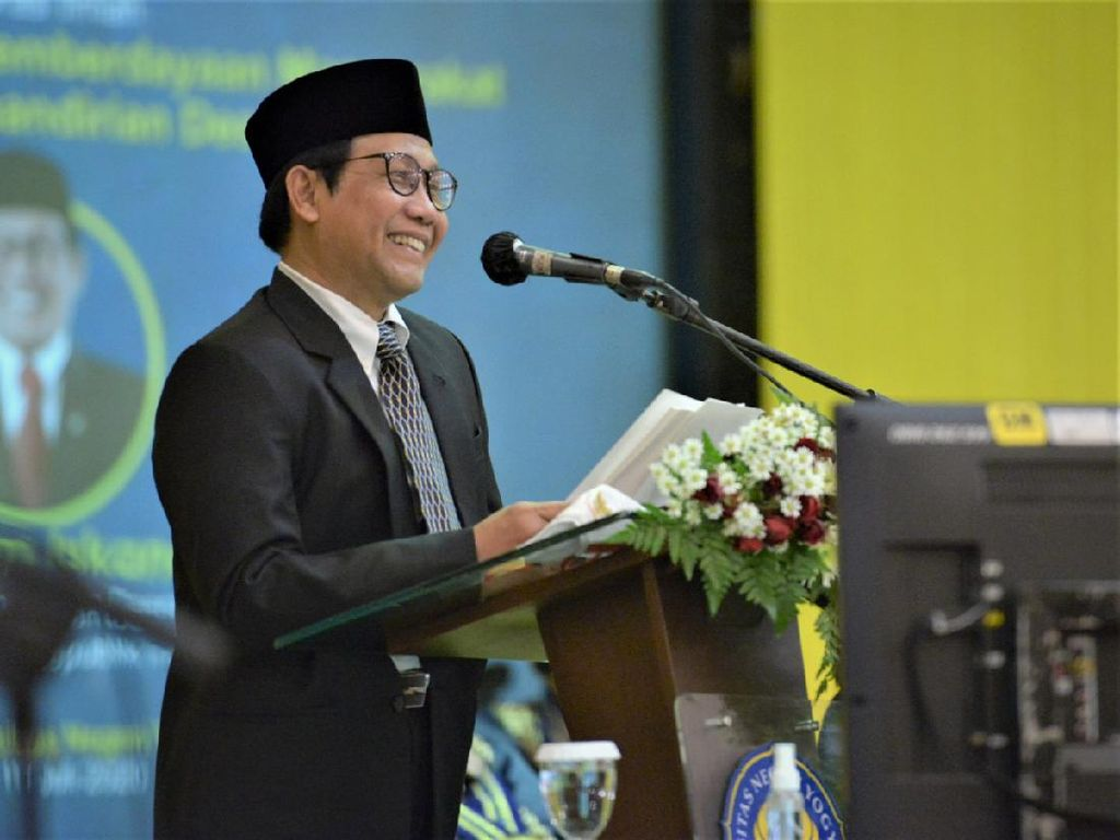 Mendes PDTT Digelari DR (HC) oleh UNY, Dinilai Berprestasi di Bidang Ini