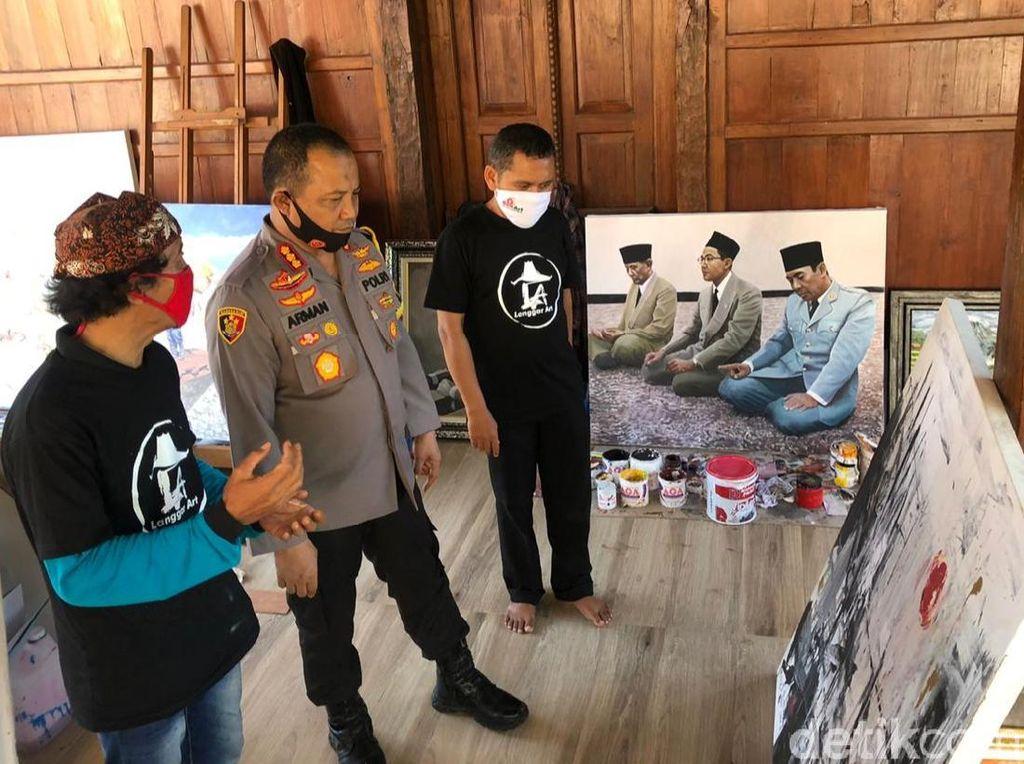 Polisi Banyuwangi Bentuk Seniman Tangguh Hadapi Pandemi COVID-19