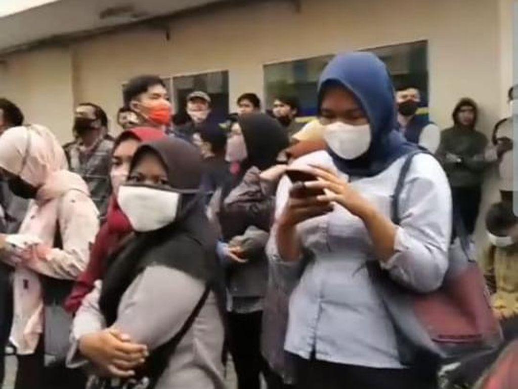 Sempat Bikin Kerumunan, Puluhan Pelamar Kerja di Pamulang Dibubarkan