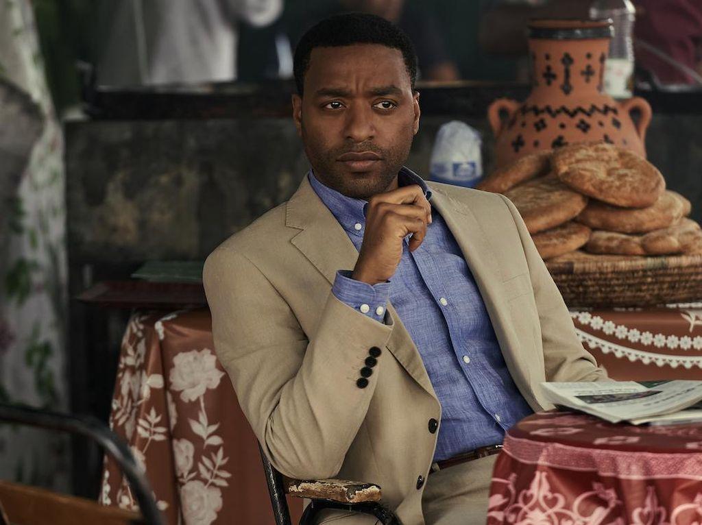 Bintangi The Old Guard, Chiwetel Ejiofor Kagumi Etos Kerja Charlize Theron