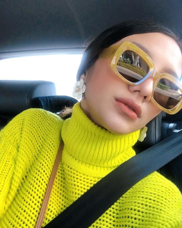 model kacamata wayfarer dengan frame tebal cocok untuk kamu pemilik wajah  bulat