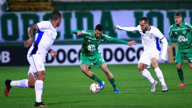 Chapecoense bertanding melawan Avai di Campeonato Catarinense, Rabu (8/7/2020)..