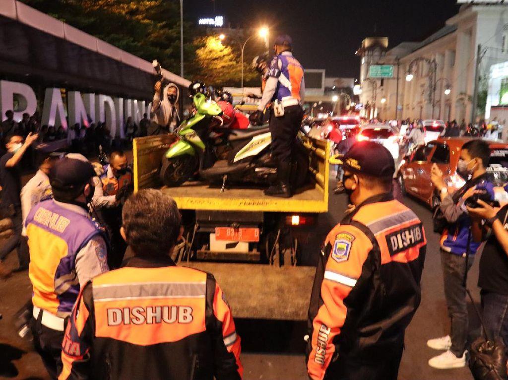Parkir Sembarangan, 30 Motor-2 Mobil Ditertibkan Dishub Kota Bandung