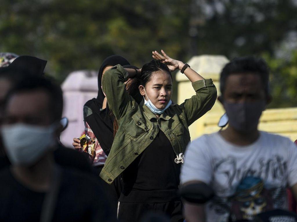 Jubir Pemerintah: Turunkan Masker ke Dagu Berisiko Pindahkan Penyakit