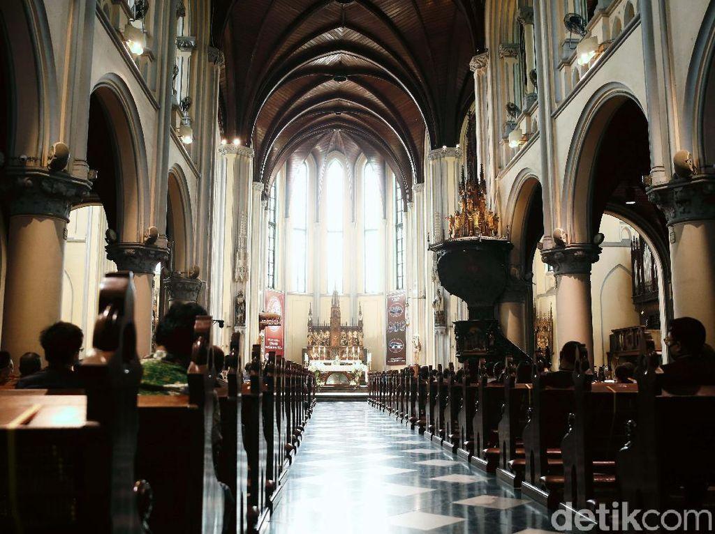 Gereja Katedral Jakarta Kembali Dibuka untuk Ibadah