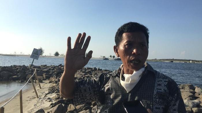 Ketua Forum Komunikasi Nelayan Jakarta, Tahir.