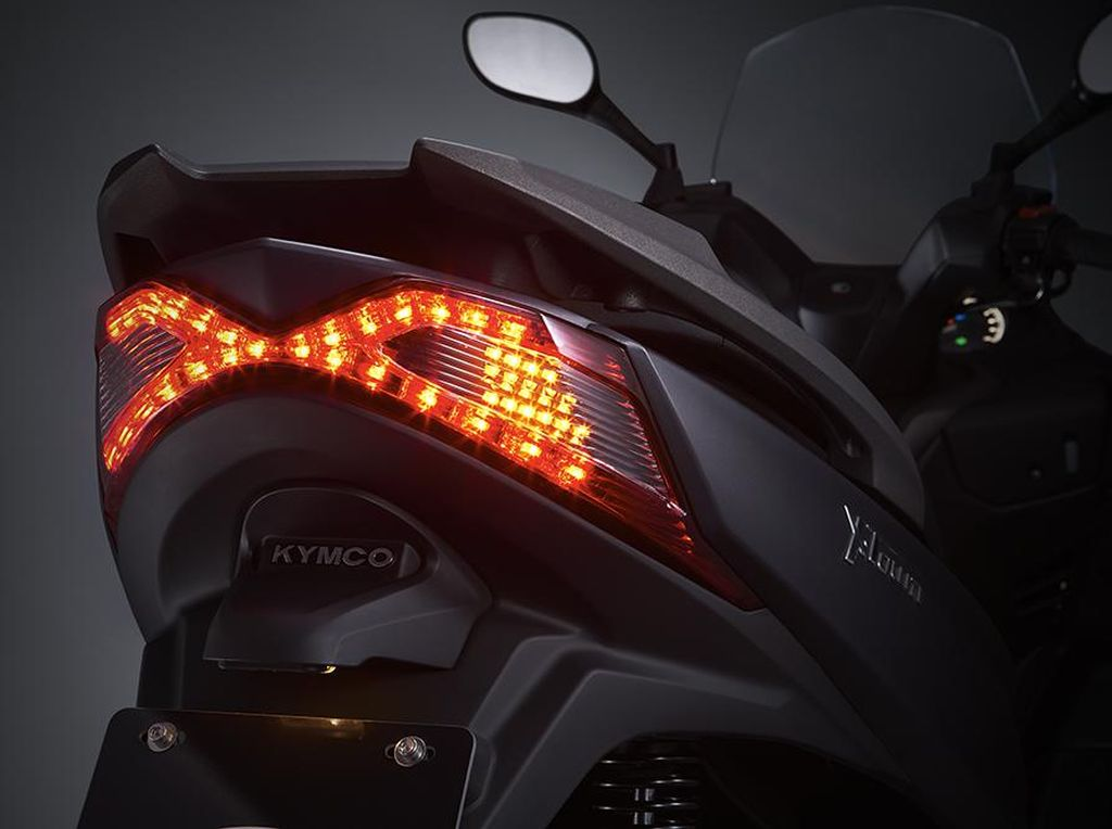 Spesifikasi Lengkap Kymco X-Town 250i, Penantang Xmax dan Forza?