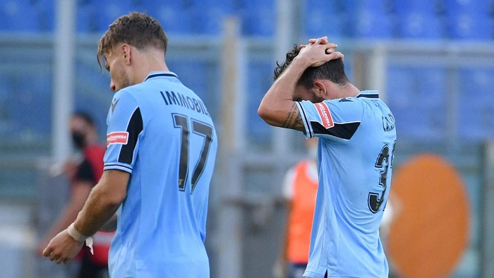 ROME, ITALY - JULY 11: Danilo Catldi and Ciro Immobile of SS Lazio react after the Serie A match between SS Lazio and  US Sassuolo at Stadio Olimpico on July 11, 2020 in Rome, Italy. (Photo by Marco Rosi - SS Lazio/Getty Images)