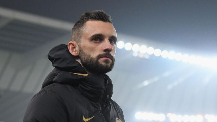 UDINE, ITALY - FEBRUARY 02: Marcelo Brozovic of FC Internazionale looks on during the Serie A match between Udinese Calcio and  FC Internazionale at Stadio Friuli on February 2, 2020 in Udine, Italy.  (Photo by Alessandro Sabattini/Getty Images)