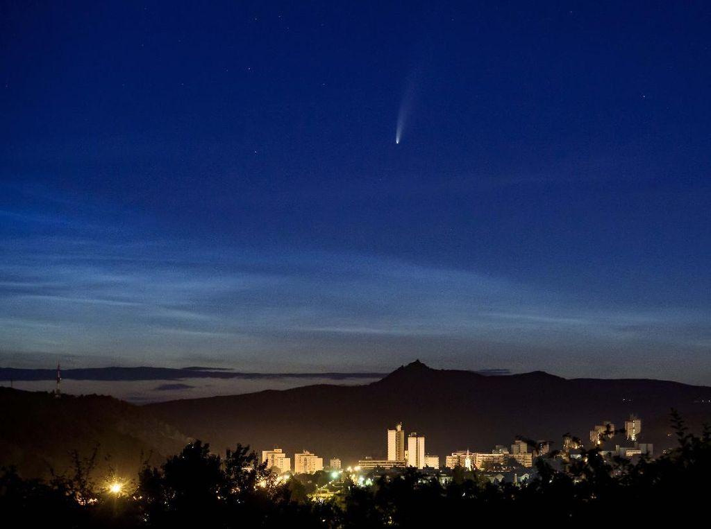 Komet Neowise Akan Lewat Indonesia, Sekali Seumur Hidup!
