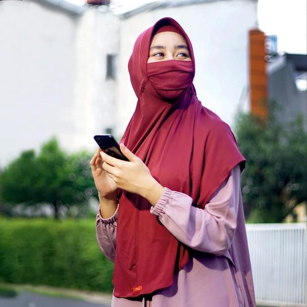 hijab masker instan penangkal virus yang laris manis di pasaran