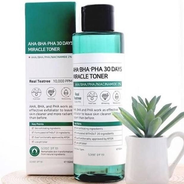 perhatikan kadar kandungan AHA dan BHA dalam produk skincare.