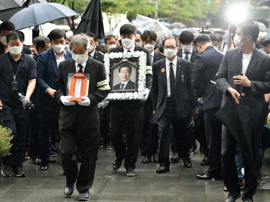 Tewas Bunuh Diri, Acara Pemakaman Wali Kota Seoul Diprotes