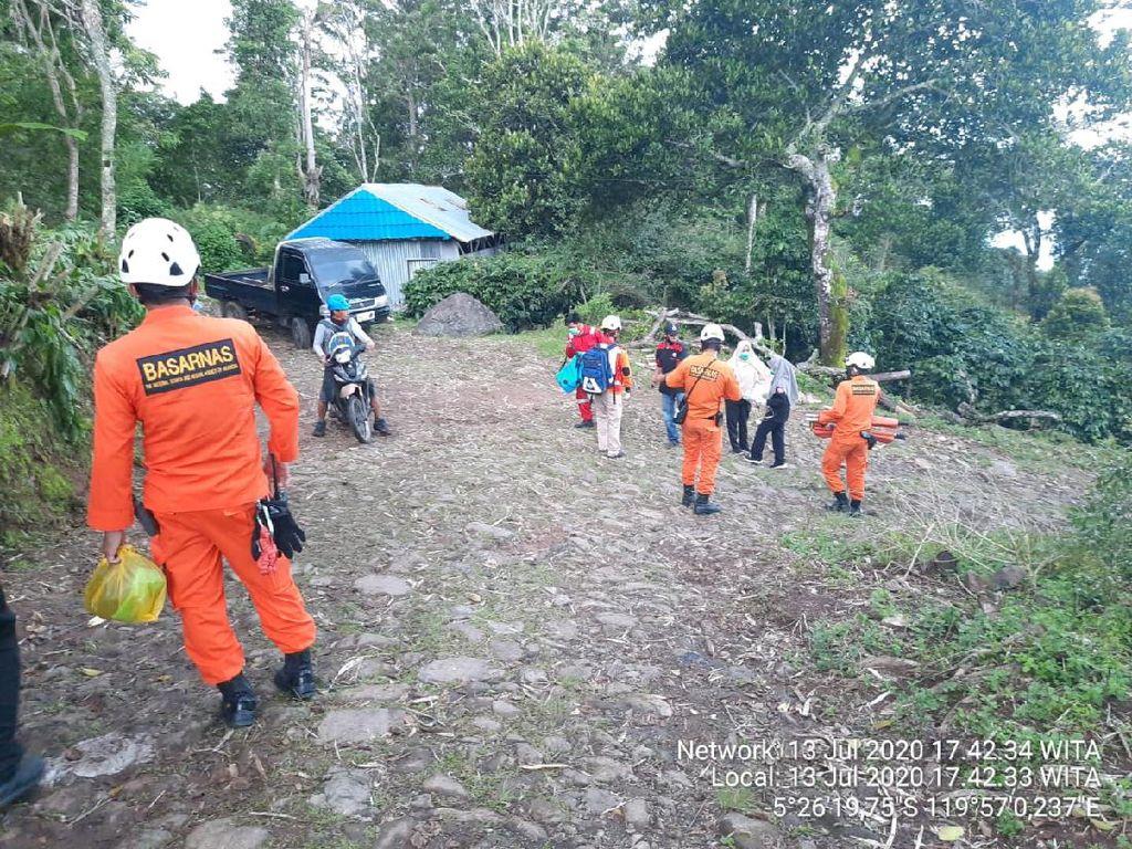 6 Petugas PDAM Bantaeng Jatuh ke Jurang Usai Diserang Tawon