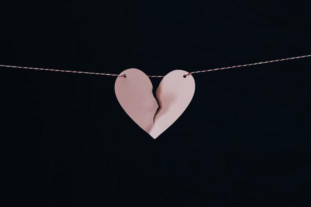 Alih-alih memperbaiki hubungan atau berterus terang tentang keinginan putus, pria justru berselingkuh dengan alasan hubungan sudah berakhir.