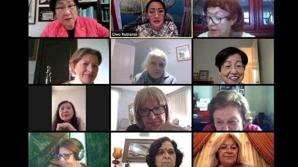 Diskusi Perlindungan Hak Perempuan Secara Daring