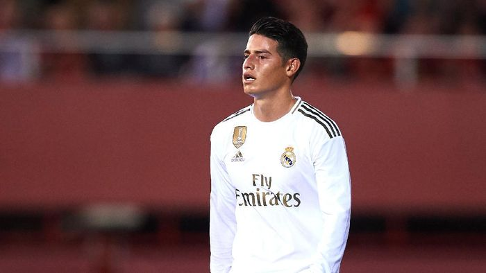 MALLORCA, SPAIN - OCTOBER 19: James Rodriguez of Real Madrid CF looks on during the La Liga match between RCD Mallorca and Real Madrid CF at Iberostar Estadi on October 19, 2019 in Mallorca, Spain. (Photo by Alex Caparros/Getty Images)