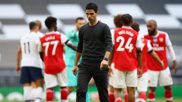 LONDON, ENGLAND - JULY 12: Mikel Arteta, Manager of Arsenal reacts after the Premier League match between Tottenham Hotspur and Arsenal FC at Tottenham Hotspur Stadium on July 12, 2020 in London, England. Football Stadiums around Europe remain empty due to the Coronavirus Pandemic as Government social distancing laws prohibit fans inside venues resulting in all fixtures being played behind closed doors. (Photo by Julian Finney/Getty Images)