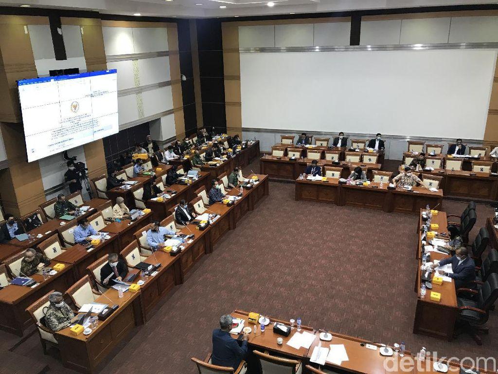 Menkum HAM-Wamenhan Raker dengan Komisi I DPR Bahas RUU Kerja Sama Pertahanan
