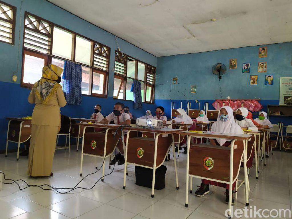 Siswa SMPN Diminta Masuk Sekolah Saat Mojokerto Masih Zona Merah