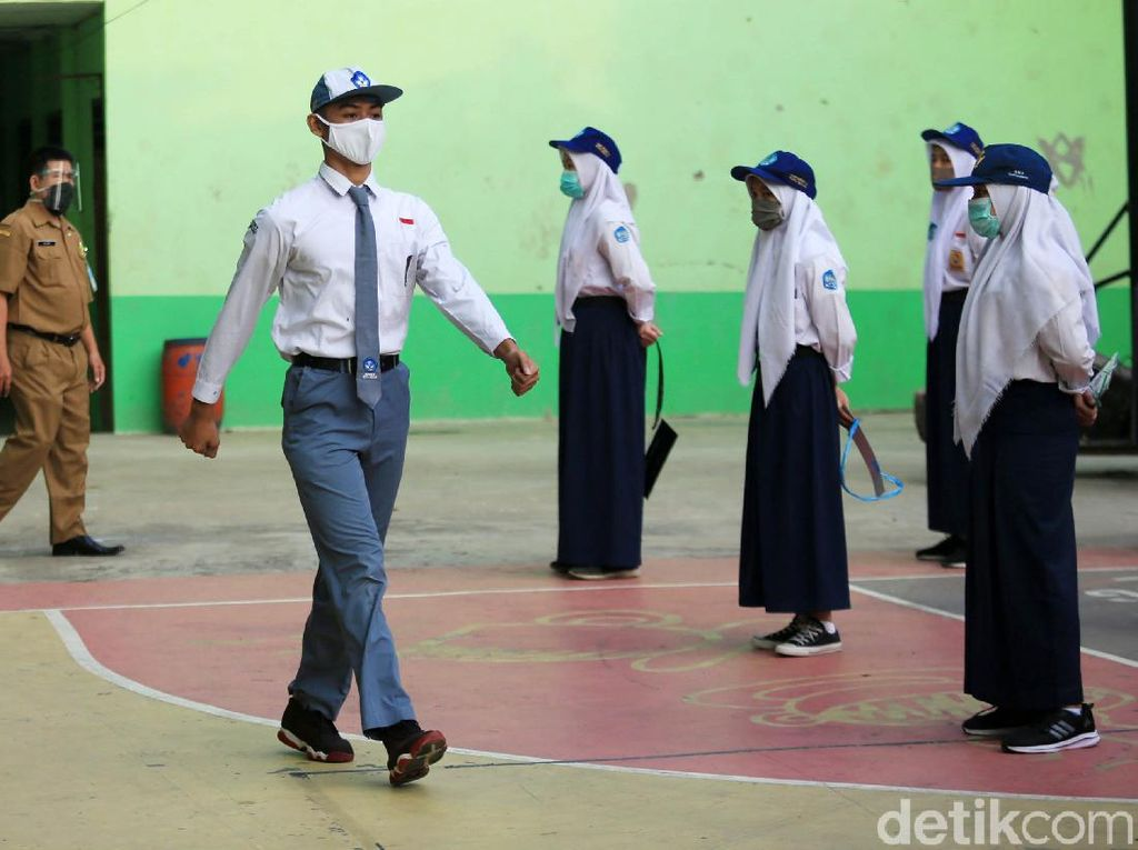 Setiap Tahun 3,7 Juta Pelajar Lulus SMA, Hanya 1,8 Juta yang Bisa Kuliah