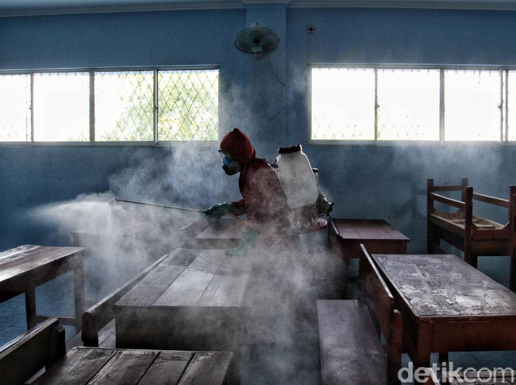 Orang Tua Siswa di Zona Kuning: Sekolah Tatap Muka Bak Simalakama