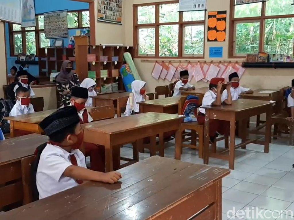 Belajar Daring Siswa SD di Tasikmalaya Ini Dibagi Zonasi per RT