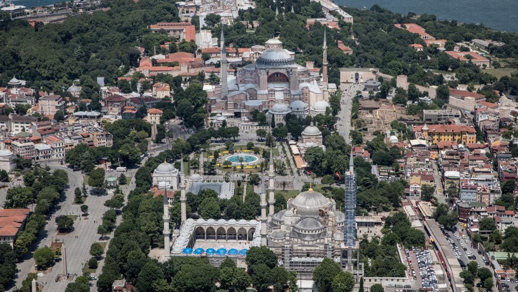 Ini Dia 5 Wisata Bangunan Bersejarah Dekat Hagia Sophia