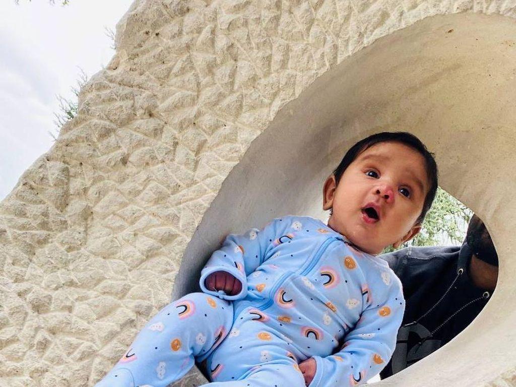 Kasihan, Satu Keluarga Kena Lockdown Tanpa Obat Buat Anaknya