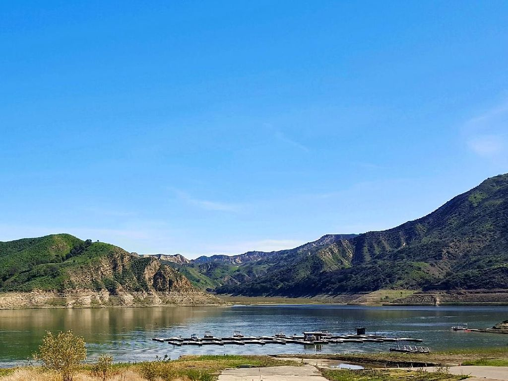 Potret Danau Piru yang Menewaskan Bintang Glee Naya Rivera