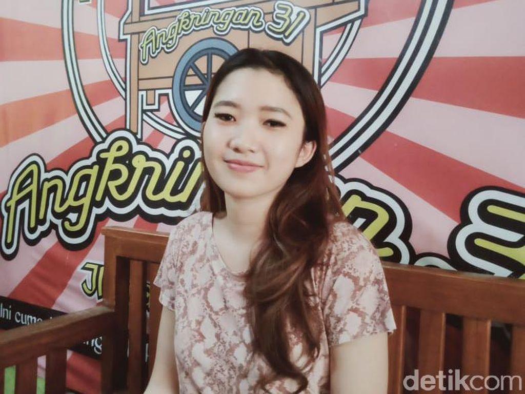 Cerita Daniella Bakul Angkringan Cantik: Sering Digoda-Diajak Foto