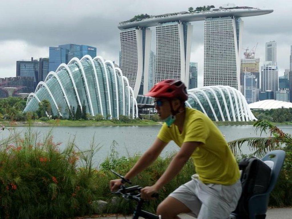 Singapura Lockdown Diamuk COVID-19, Apa Pemicunya?