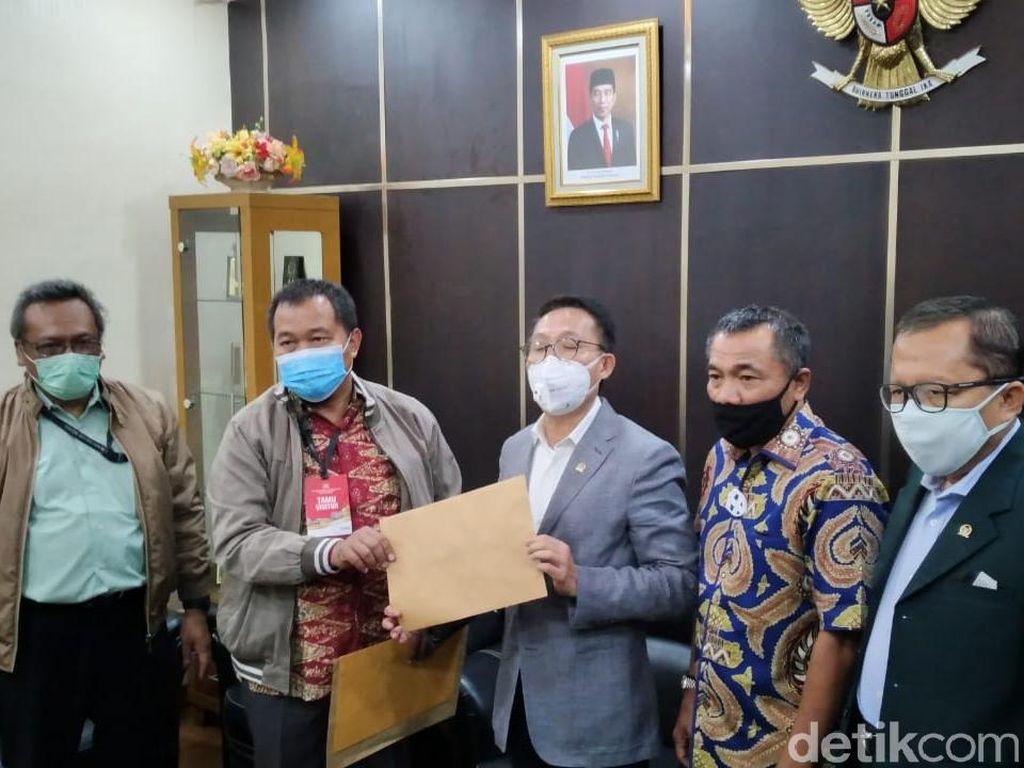 DPR Terima Foto Surat Jalan Djoko Tjandra dari MAKI