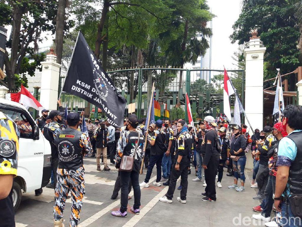 Massa Demo di Depan Kemendikbud, Protes soal PPDB DKI Jakarta