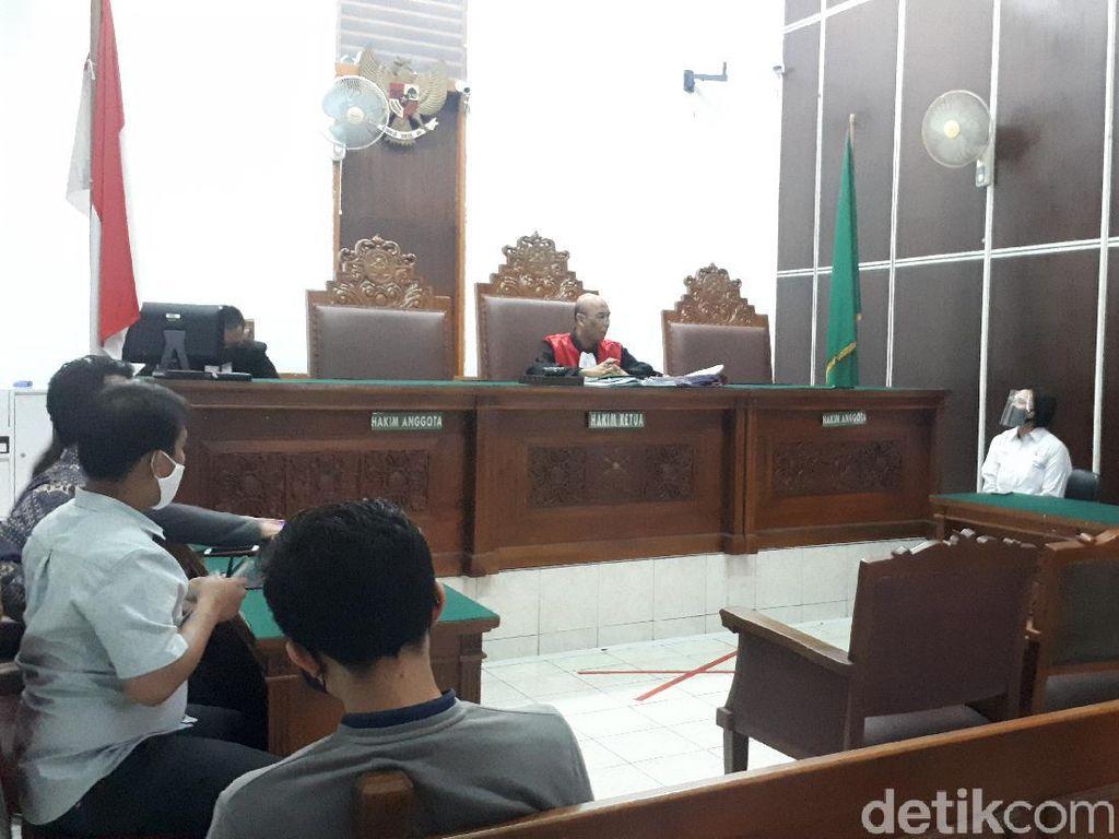 Hakim PN Jaksel Tolak Praperadilan Ravio Patra