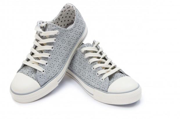 Sepatu kets All Star pada awalnya digunakan oleh para pemain bola basket, tetapi sekarang orang-orang memakainya untuk beragam tujuan dan kegiatan.