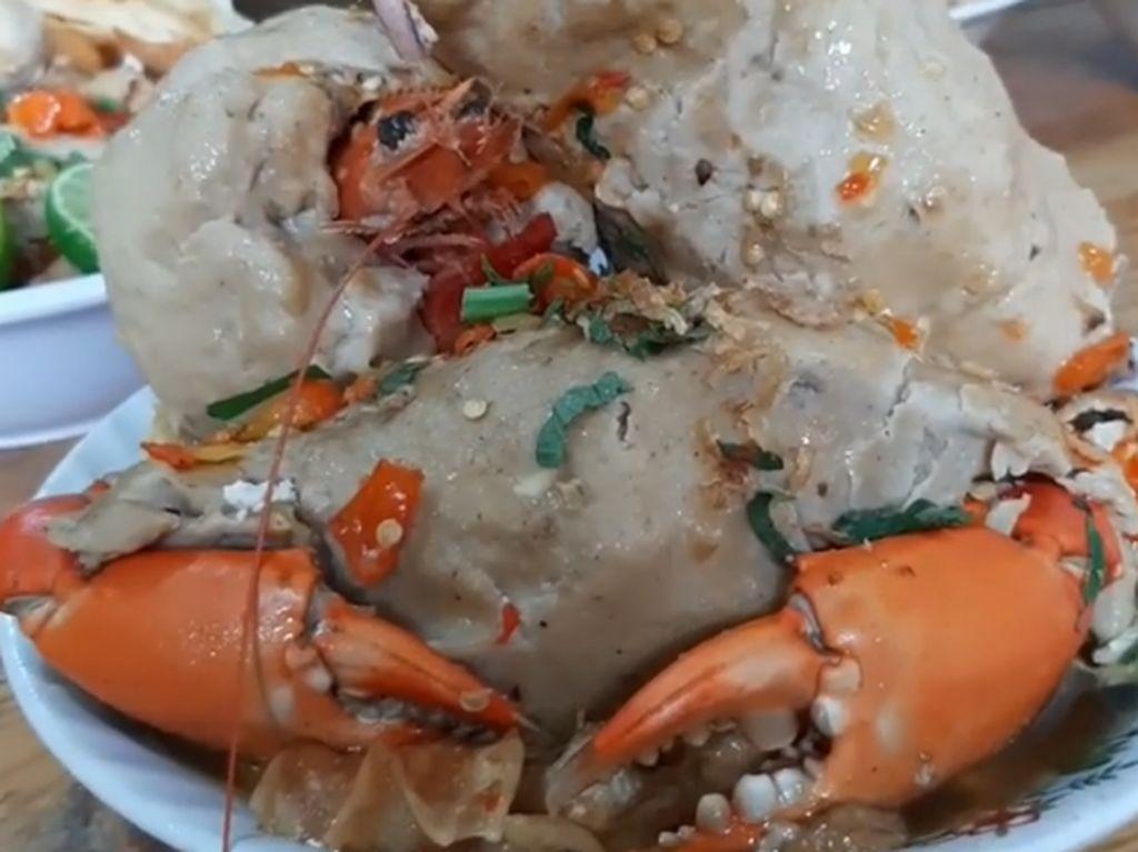 Selain Bakso Lobster, Kini Viral Bakso Kepiting di Bogor