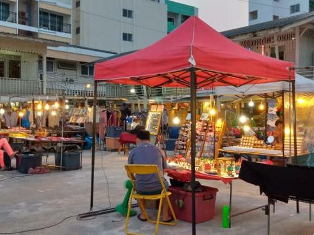 Foto: Pasar Malam di Thailand Kinclong Banget