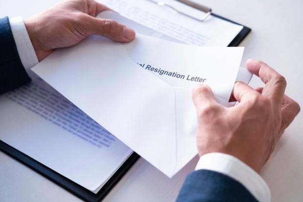 Buat surat pengunduran diri