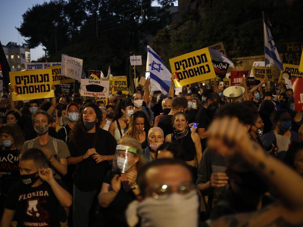 Polisi Angkut Pedemo di Luar Kediaman PM Israel