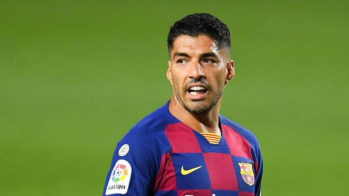 BARCELONA, SPAIN - JUNE 30: Luis Suarez of FC Barcelona looks on during the Liga match between FC Barcelona and Club Atletico de Madrid at Camp Nou on June 30, 2020 in Barcelona, Spain. (Photo by David Ramos/Getty Images)