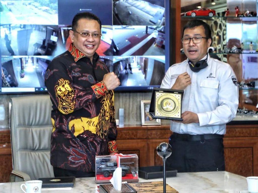 Ketua MPR Dorong Pemerintah Tingkatkan Industri Pertahanan Nasional